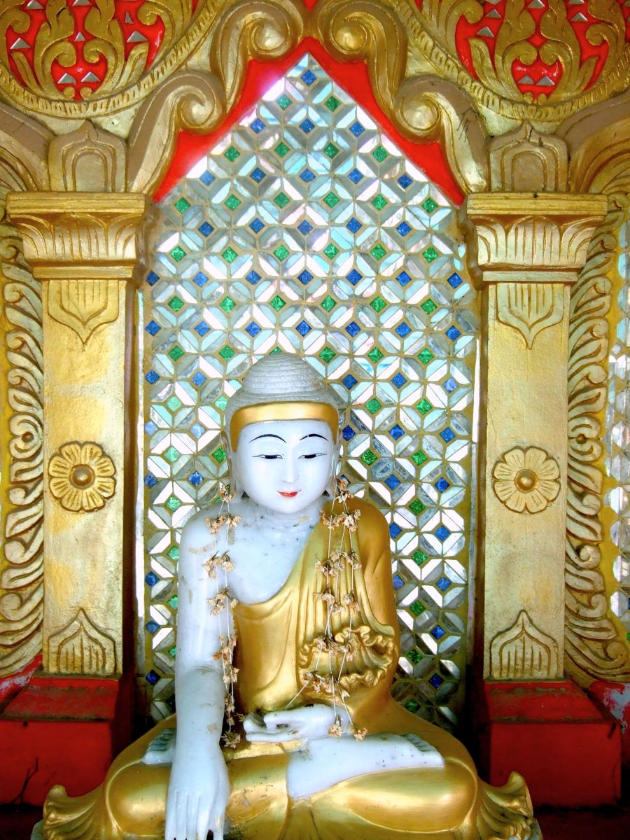 CLARIFYING THE MIND- A Month-Long Vipassana Practice Period @ Online